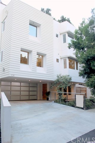Single Family Home for Sale at 3281 Mandeville Canyon Road Brentwood, California 90049 United States