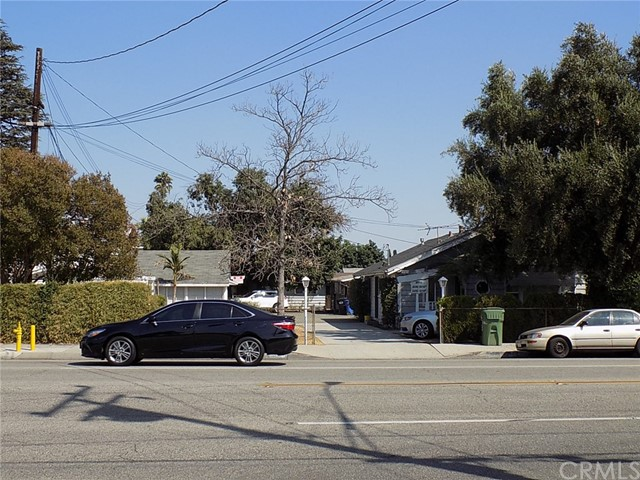 独户住宅 为 销售 在 3248 Walnut Grove Avenue Rosemead, 91770 美国