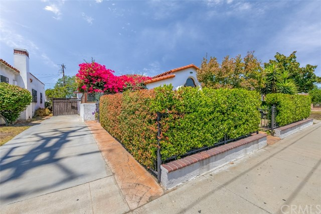 1611 S Fremont Avenue, Alhambra CA: http://media.crmls.org/medias/fd4525e8-62bb-459c-9585-c226be548dc8.jpg