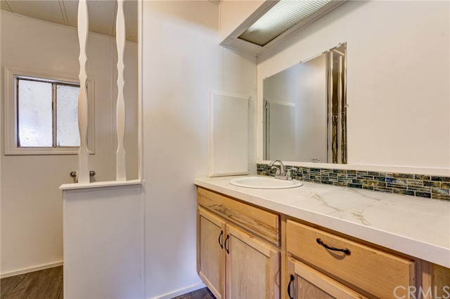3562 Mountain View Street, Clearlake CA: http://media.crmls.org/medias/fd493f15-c73d-4c1f-be74-e9491ed2b5a3.jpg