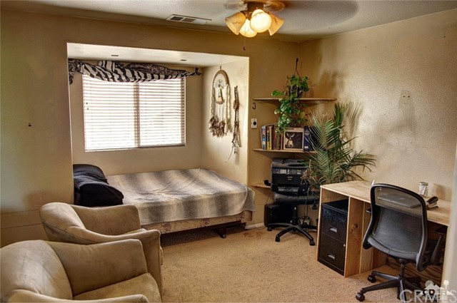 82540 Lordsburg Drive, Indio CA: http://media.crmls.org/medias/fd53a293-3680-44a4-a1f9-a25ea5de214a.jpg