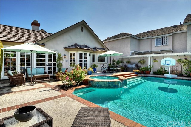Single Family Home for Sale at 19395 Woodlands Drive Huntington Beach, California 92648 United States