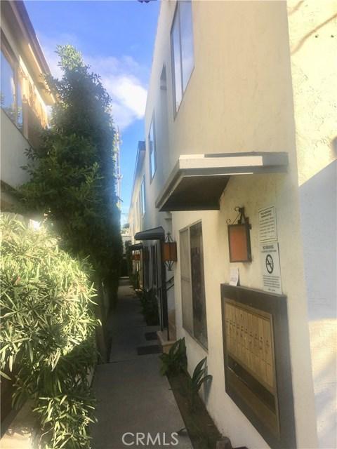 1025 9th Street Street, Santa Monica CA: http://media.crmls.org/medias/fd67ca34-2e73-4ebd-8c10-0cdae3356584.jpg