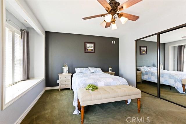 315 21st Street, Huntington Beach CA: http://media.crmls.org/medias/fd68d891-d898-4e9f-a1cb-0d089990baa5.jpg