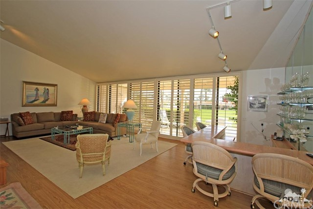 45878 Algonquin Circle, Indian Wells CA: http://media.crmls.org/medias/fd76f858-764d-4e51-8800-31ea833ce591.jpg