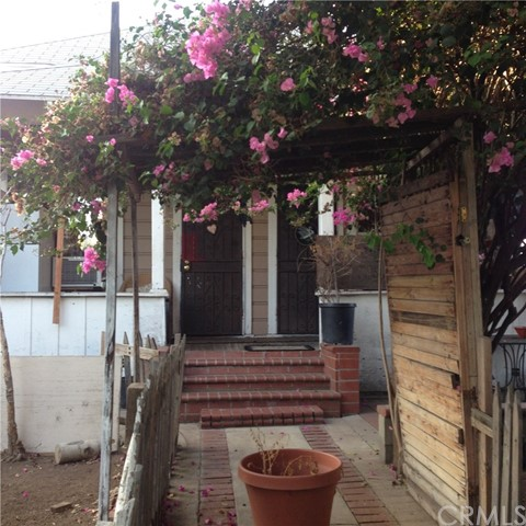 Single Family Home for Sale at 317 Mathews Street N East Los Angeles, California 90033 United States