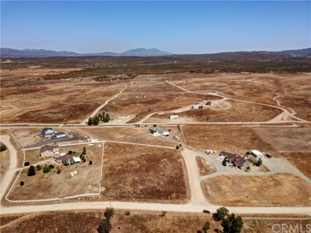 448 Comanche, Aguanga CA: http://media.crmls.org/medias/fd893059-0c65-41ce-b7c9-a0381f486076.jpg