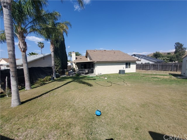 3395 Chardoney Way, Jurupa Valley CA: http://media.crmls.org/medias/fda67c66-fac1-4d6d-b888-c0486532d6c0.jpg