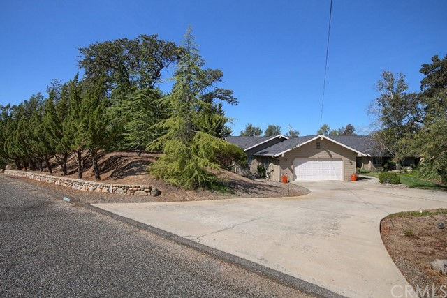 42811 Yosemite Springs Drive Coarsegold, CA 93614 - MLS #: YG17222491
