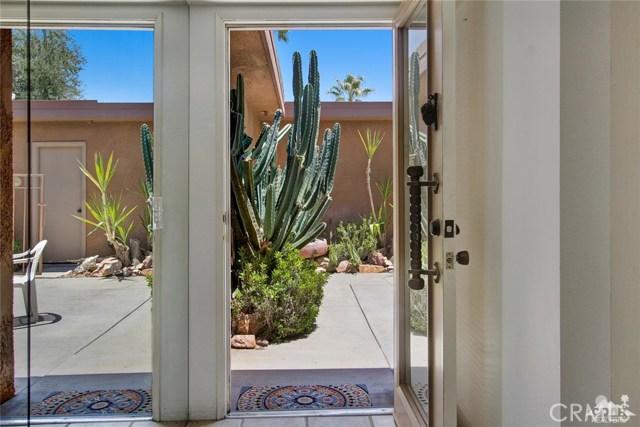 21 La Cerra Drive, Rancho Mirage CA: http://media.crmls.org/medias/fdace898-d8fd-4cf3-8ff1-3f3ab4b1d0d8.jpg