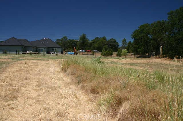 1200 Oak Park Way, Lakeport CA: http://media.crmls.org/medias/fdb5de25-e6bc-4d9e-aa94-2de1a009ca8d.jpg