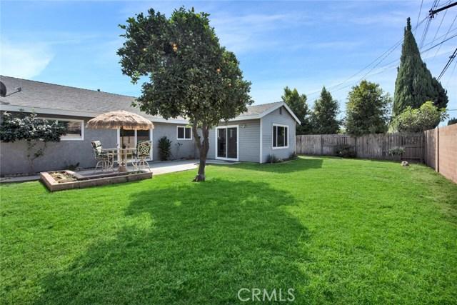 16355 Sierra Street, Fountain Valley CA: http://media.crmls.org/medias/fdde8817-d61c-4924-989d-69d5d9970dc7.jpg