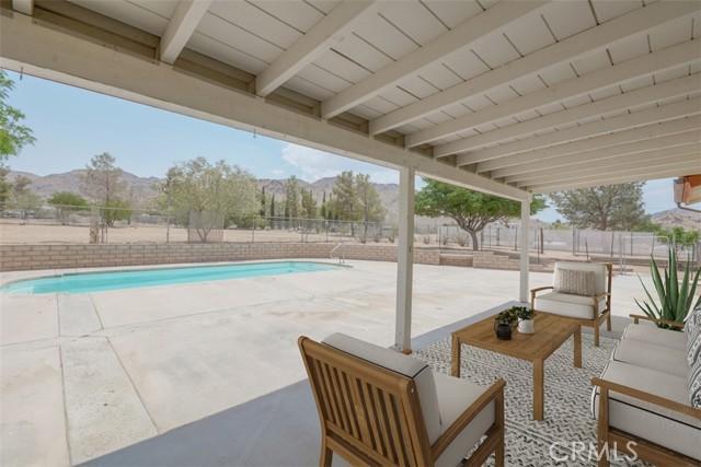 14941 Laguna Seca Drive, Apple Valley CA: http://media.crmls.org/medias/fde589a7-1526-4c29-a209-290270deb6e8.jpg