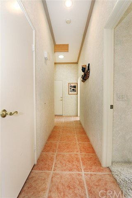 120 Kavenish Drive, Rancho Mirage CA: http://media.crmls.org/medias/fde8ae54-1f33-4e64-b207-4c319cb66296.jpg
