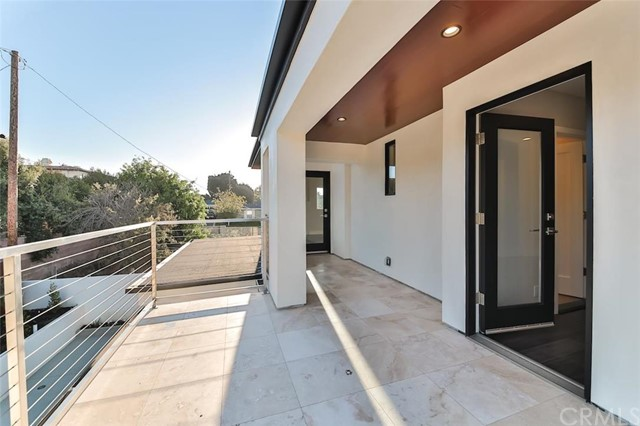 Additional photo for property listing at 1304 18th Street  Manhattan Beach, Californie,90266 États-Unis