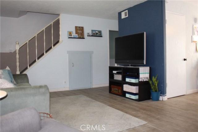 9828 Continental Drive, Huntington Beach CA: http://media.crmls.org/medias/fdeebb82-3d79-4b6b-afa3-ff771cc47d27.jpg