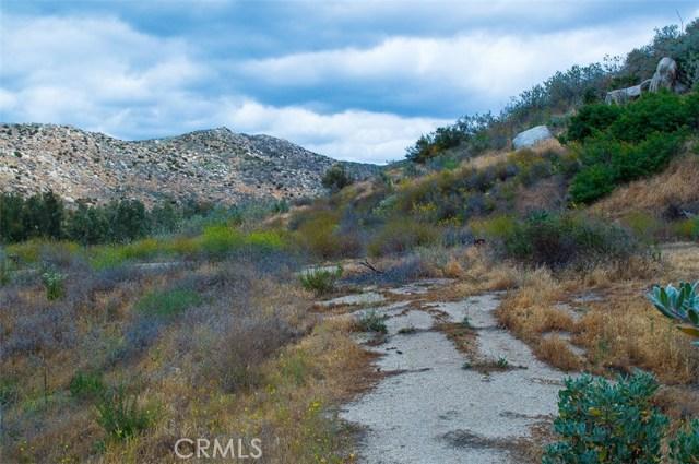 0 Pixley Canyon Road, Hemet CA: http://media.crmls.org/medias/fdeff859-0ccd-4142-99b8-2d9842890b46.jpg