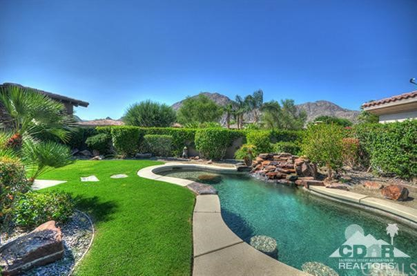 Photo of home for sale at 77658 Via Villaggio, Indian Wells CA