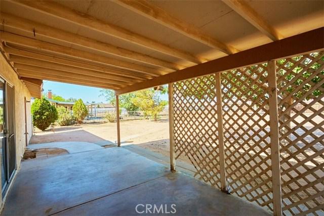 11790 Pasco Road, Apple Valley CA: http://media.crmls.org/medias/fdff398f-17d1-423e-ab14-4b41969b9591.jpg