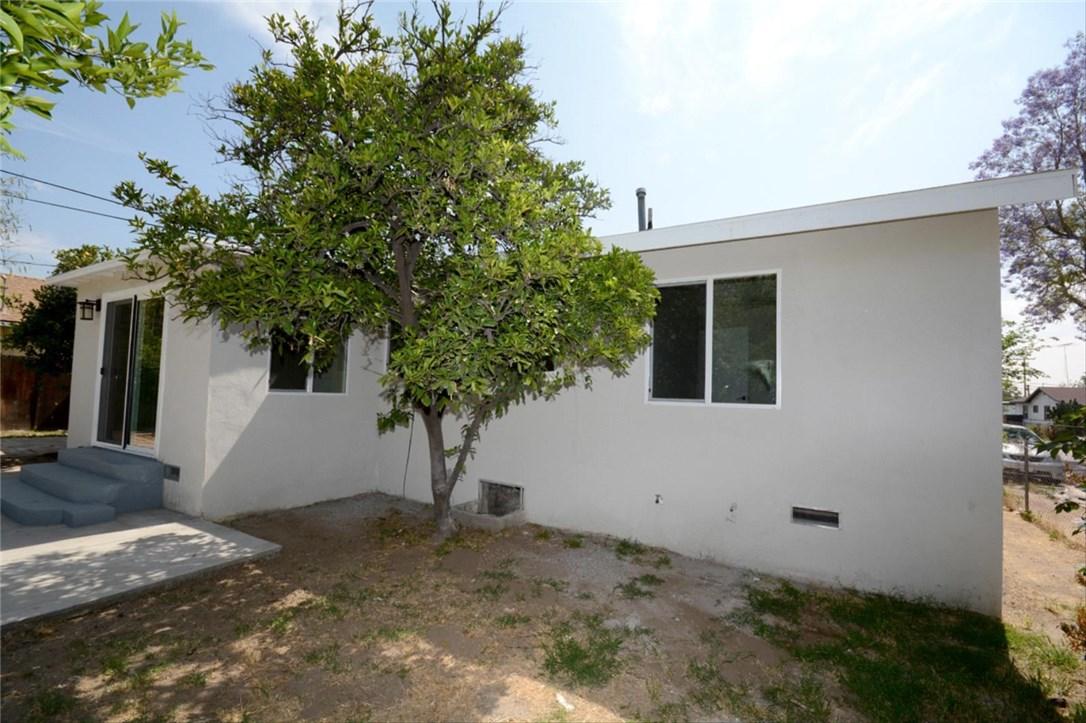 7106 Osbun Road, San Bernardino CA: http://media.crmls.org/medias/fe012a1f-eefb-4442-89ff-5305bf3ae74c.jpg