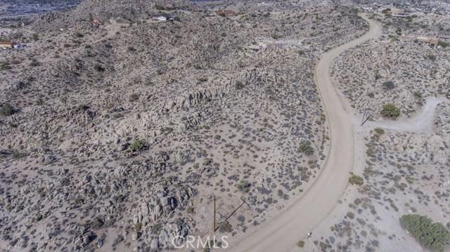 57557 Manzanita Drive, Yucca Valley CA: http://media.crmls.org/medias/fe15cc9f-8d00-4756-bd07-ec966f68e96c.jpg