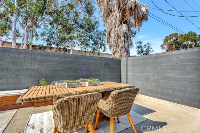 850 E 116th Place, Los Angeles CA: http://media.crmls.org/medias/fe28a1e2-b039-45ad-a1e1-df3894793720.jpg