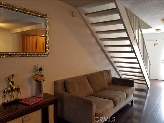 624 S Sullivan Street, Santa Ana CA: http://media.crmls.org/medias/fe2d706c-0424-4bf5-a058-95fb6acf9d11.jpg