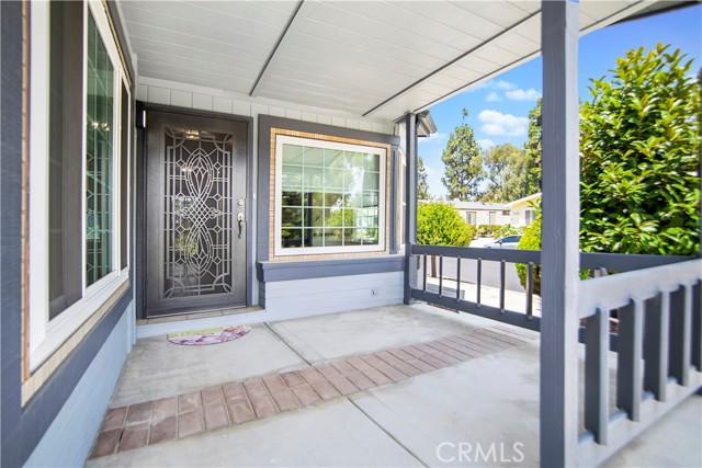 5423 Spencer Lane, Carlsbad CA: http://media.crmls.org/medias/fe2f32b2-43f5-4104-8e17-c09244f6515a.jpg