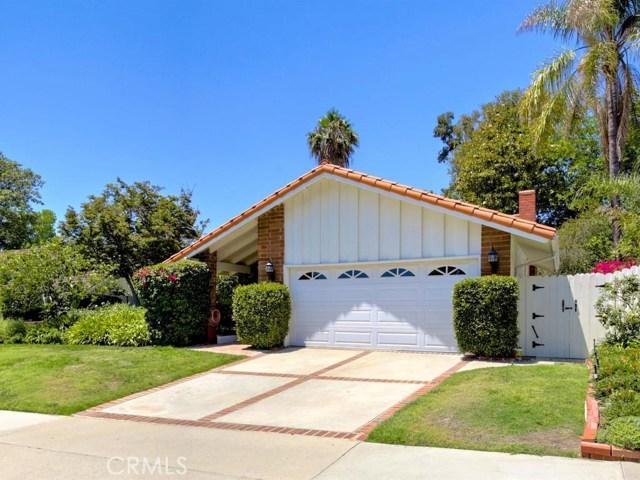 24721 Mosquero Lane, Mission Viejo CA: http://media.crmls.org/medias/fe2f53ba-8371-481d-b5a5-072e6fad27d7.jpg