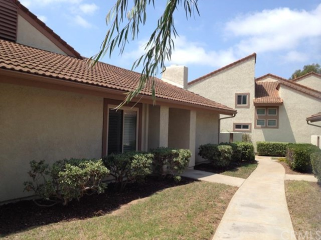 Townhouse for Rent at 18301 Gumtree St Huntington Beach, California 92646 United States
