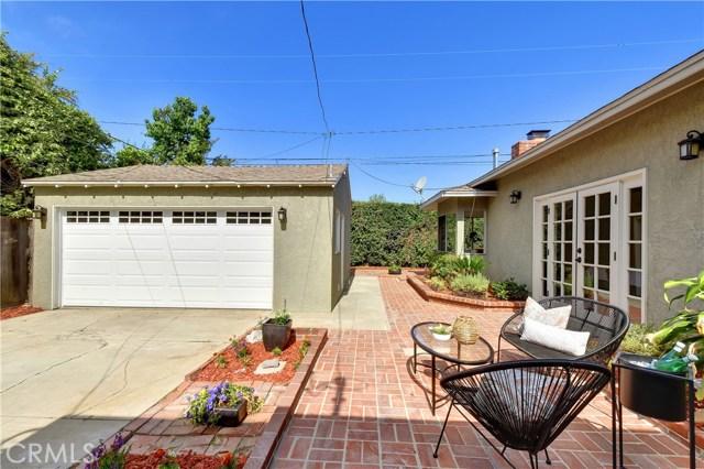 3163 Chatwin Avenue, Long Beach CA: http://media.crmls.org/medias/fe3e4975-3cdd-4f62-b7fb-7e0b22eb85a3.jpg