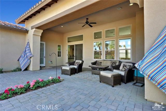 81038 Monarchos Circle, La Quinta CA: http://media.crmls.org/medias/fe4f5d70-53da-401b-9756-2c3a64c0873d.jpg