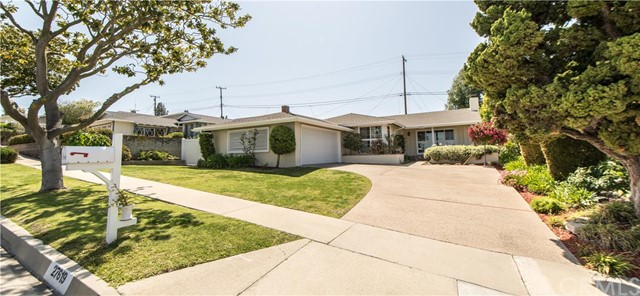 Single Family Home for Sale at 27619 Warrior St Rancho Palos Verdes, California 90275 United States