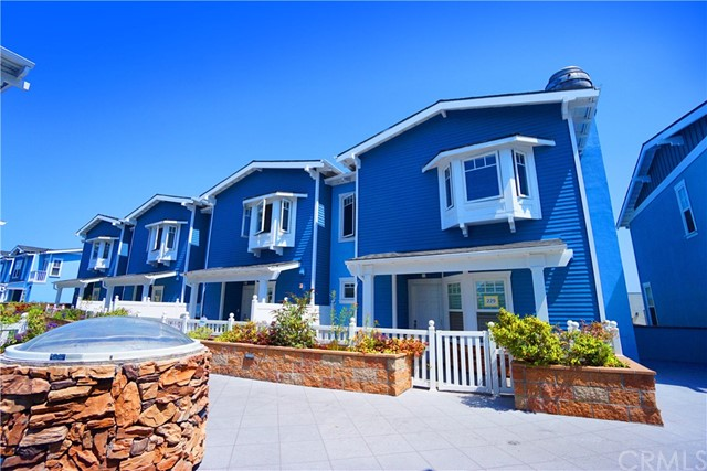 229 Aviation Place, Manhattan Beach CA: http://media.crmls.org/medias/fe5b14e0-dd65-4b5e-8fd0-cb2258afe8dd.jpg