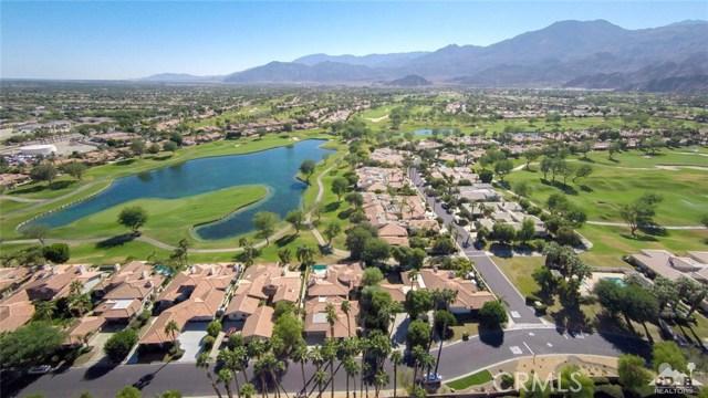 54015 Southern Hills, La Quinta CA: http://media.crmls.org/medias/fe627878-118f-493a-9a12-a82b8c332f2d.jpg