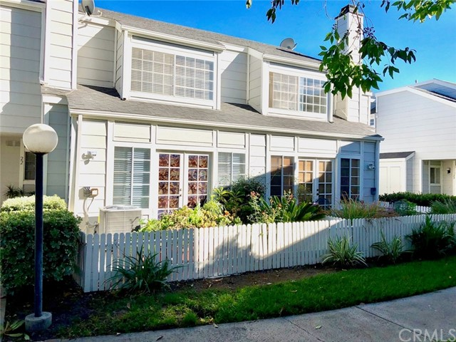 Townhouse for Sale at 2340 W Orangethorpe Avenue Fullerton, California 92833 United States