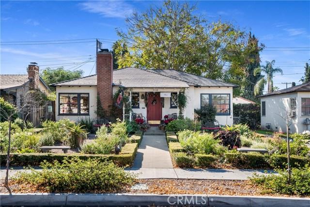 3508 Elmwood Court, Riverside CA: http://media.crmls.org/medias/fe6ced49-2b89-4e2d-a14b-042f0b00bec7.jpg