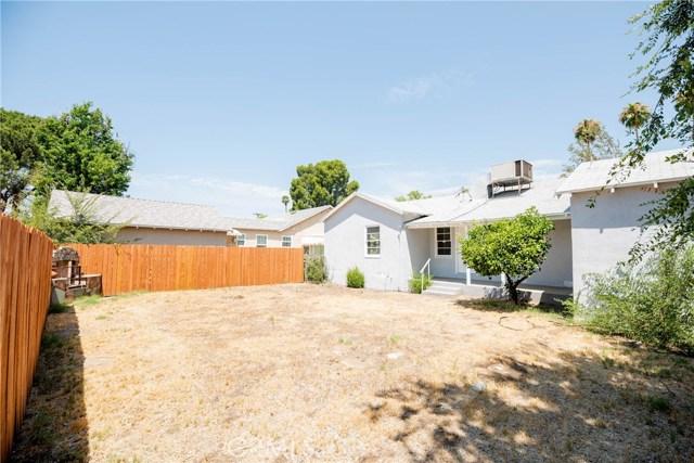 213 E Marshall Boulevard, San Bernardino CA: http://media.crmls.org/medias/fe752c37-961f-414e-9af7-7669b355d744.jpg