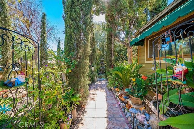 10871 Olinda Street, Sun Valley CA: http://media.crmls.org/medias/fe7ae252-1a70-4e66-8a34-6532898f750d.jpg