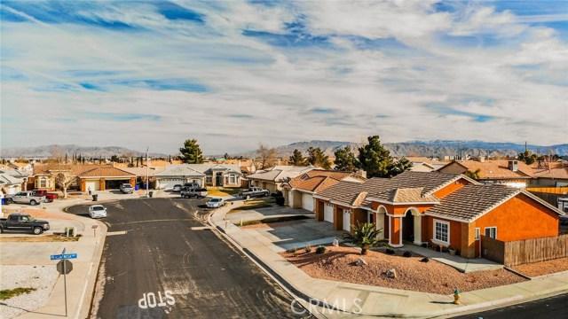 14437 Via Puente ,Victorville,CA 92392, USA