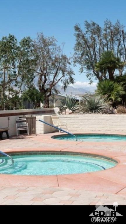 15300 Palm Drive, Desert Hot Springs CA: http://media.crmls.org/medias/fe8e4c3b-4663-40c8-8b4a-fcbf6576e00f.jpg