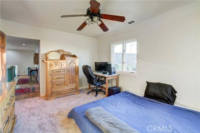 13532 Pineridge Court, Yucaipa CA: http://media.crmls.org/medias/feb49d2b-d100-43ca-912b-9e520e4a611e.jpg
