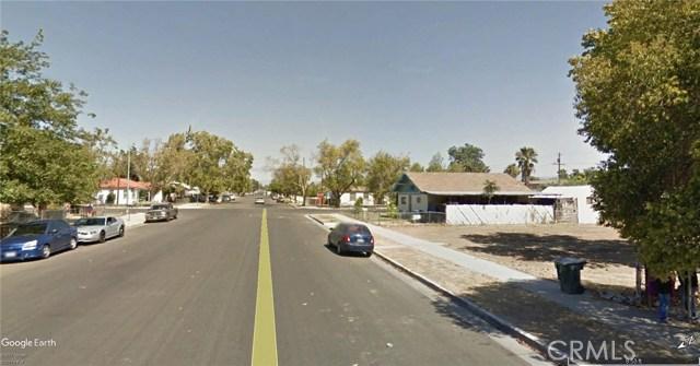 1225 Oregon Street, Bakersfield CA: http://media.crmls.org/medias/feb6e62a-e29c-40e6-b11d-ec263c8851b2.jpg