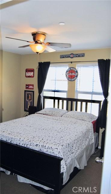 14975 S Highland Ave, Fontana CA: http://media.crmls.org/medias/fecc3dcb-9f00-42ef-b4cd-26893a12352b.jpg