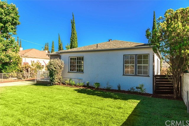 11140 Vanowen Street, North Hollywood CA: http://media.crmls.org/medias/fed15878-8591-4bdf-8e6f-8b67a5dc40f0.jpg