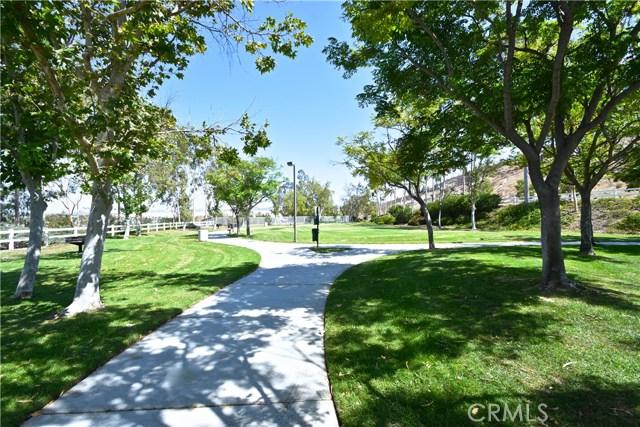 17852 Spring Hill Way, Riverside CA: http://media.crmls.org/medias/fed288a0-8b4c-4829-9565-96513e61d791.jpg