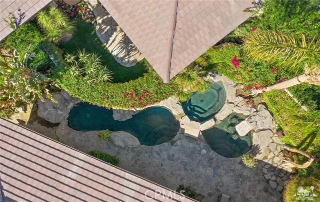 4 Exeter Court, Rancho Mirage CA: http://media.crmls.org/medias/fedd5fb6-321a-40b5-bbff-586736271faf.jpg