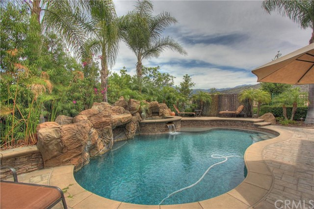 Single Family Home for Sale at 10 Thorn Oak St Rancho Santa Margarita, California 92679 United States