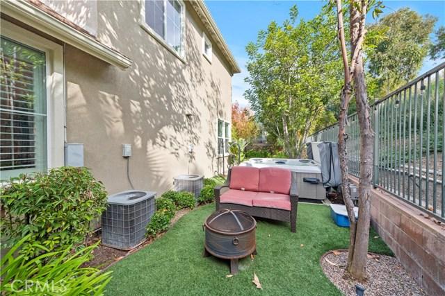 1 Flintridge Avenue, Ladera Ranch CA: http://media.crmls.org/medias/fee7fe82-d4aa-4858-907c-4b3b99bb6436.jpg