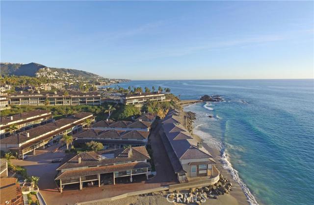 21 BLUE LAGOON, Laguna Beach CA: http://media.crmls.org/medias/fee8f523-e827-4e22-89d5-248addb601a7.jpg